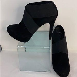 Stuart Weitzman Sz 9 Black Suede Heel Ankle Boots